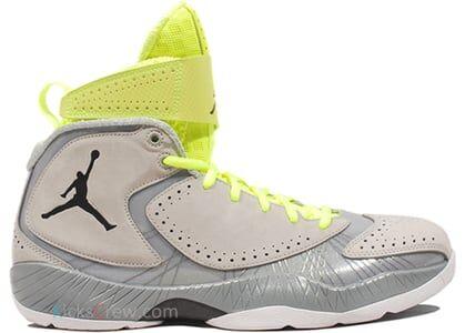 Air Jordan 2012 Wolf Grey Voltage 籃球鞋/運動鞋 (484654-001) 海外預訂
