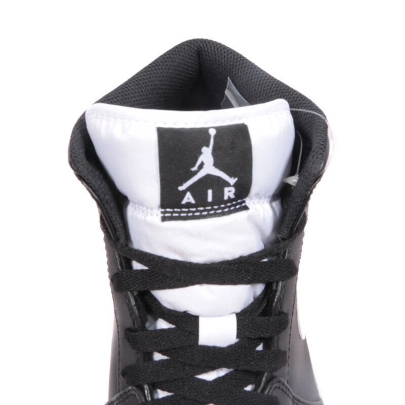 Air Jordan 1 Mid Black White 籃球鞋/運動鞋 (554724-038) 海外預訂