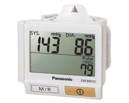 日本直送 Panasonic EW-BW10/W 手腕式電子血壓計