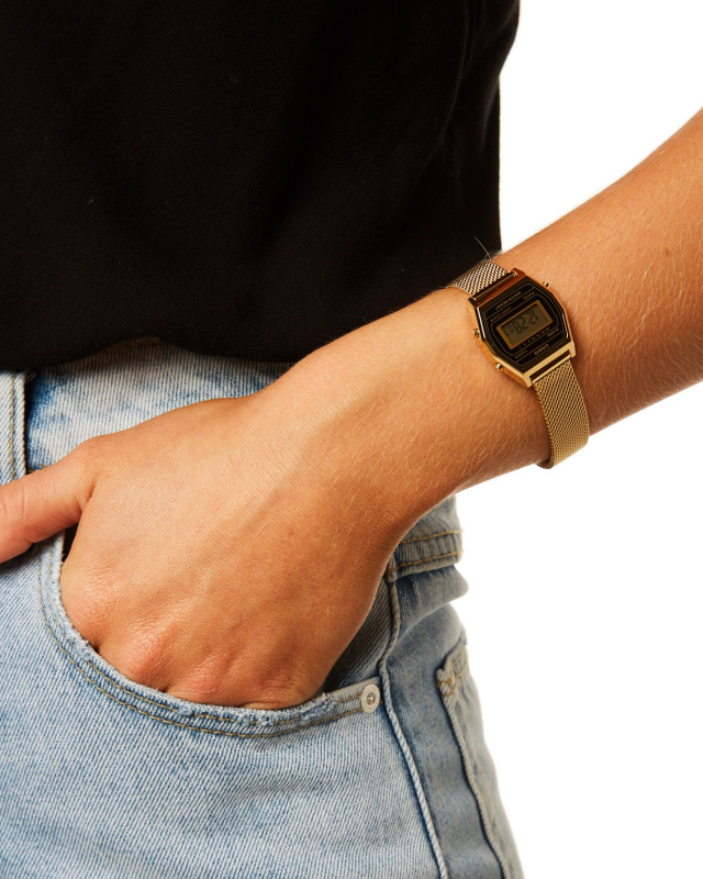 CASIO Vintage LA690WEMY-1 金色復古電子錶