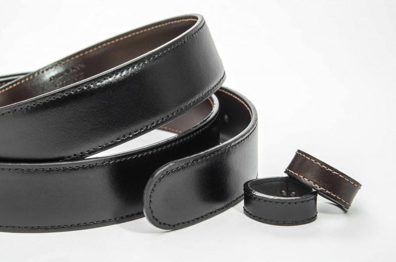 Montblanc 萬寶龍 38579 黃銅針扣 黑色/棕色雙面皮帶