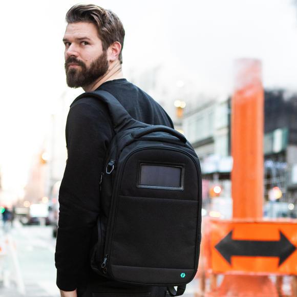 加拿大 Lifepack 太陽能防盜防水背包