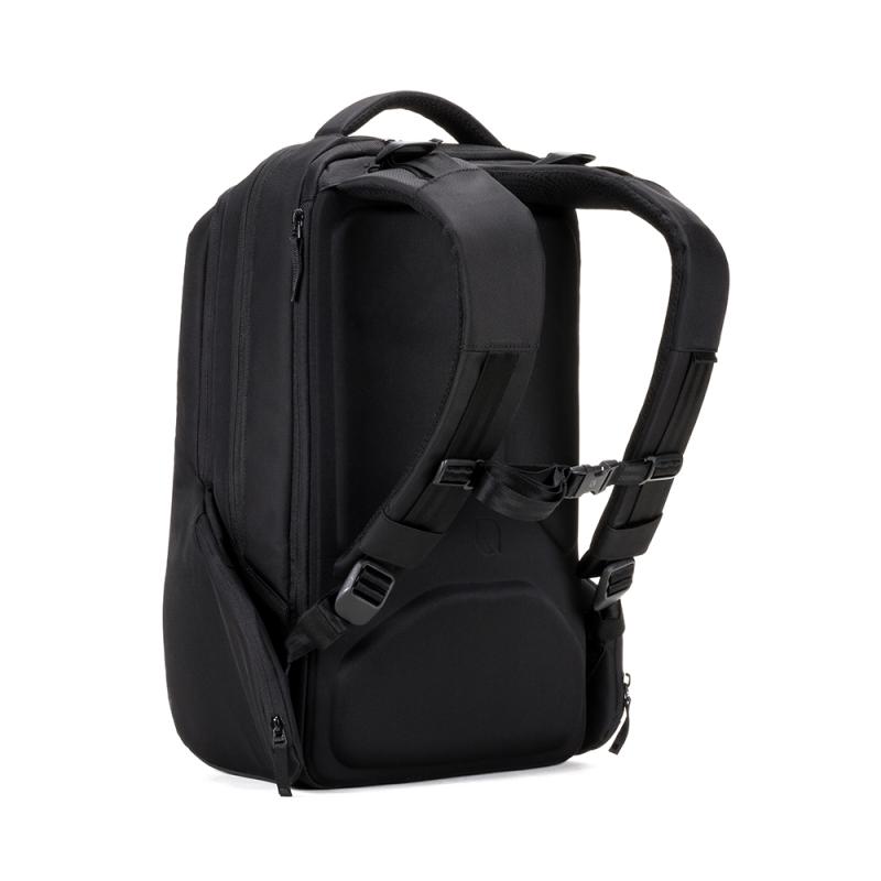 incase ICON Triple Black背包