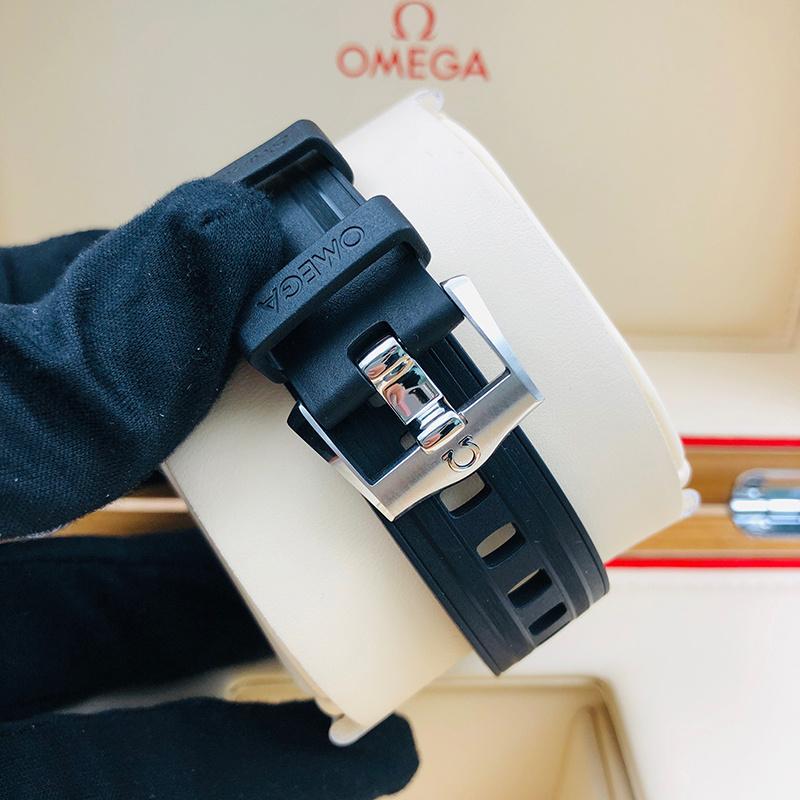 OMEGA 歐米茄 海馬潛水300系列 42毫米 不銹鋼 黑面 自動機械 210.32.42.20.01.001