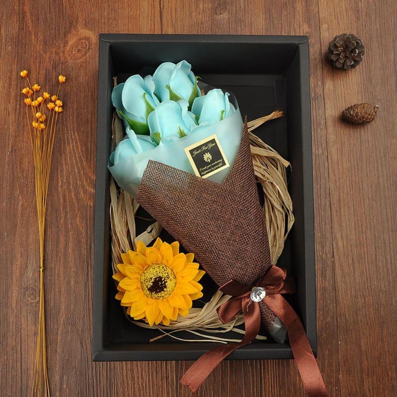 黑色禮盒裝玫瑰香皂花