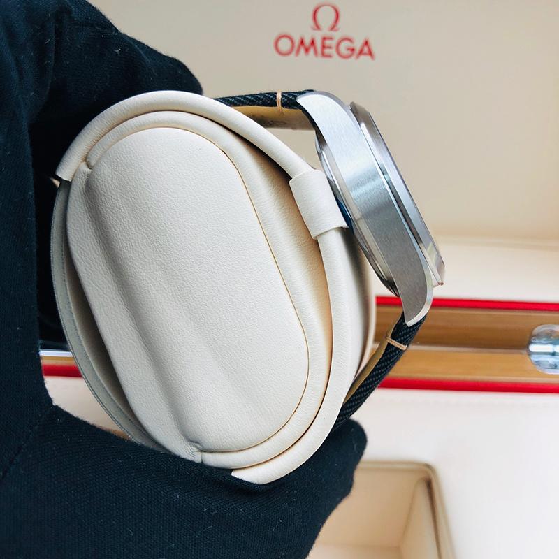 OMEGA 歐米茄 海馬鐵霸系列 40毫米 [不銹鋼 黑面] [220.12.40.20.01.001]