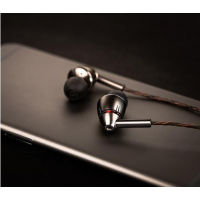 1More E1010 圈鐵混合四單元高清耳機