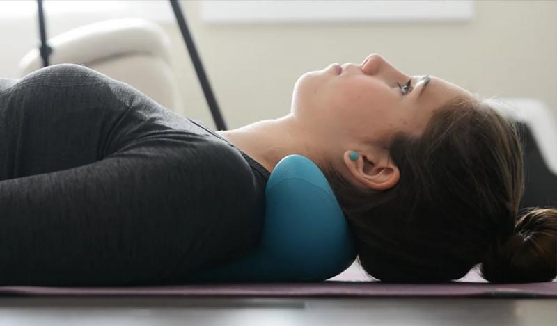 韓國 C-REST 舒緩肩頸指壓按摩器攜帶輕便肩頸按摩枕 現貨