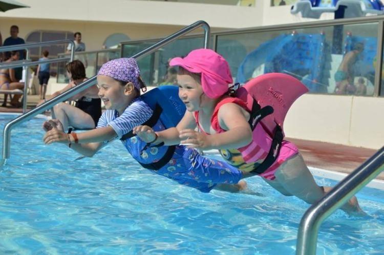 英國SwimFin 鯊魚鰭兒童游泳輔助浮板 [5色]