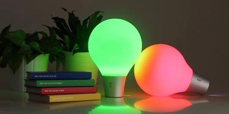台灣PEGA D&E ColorUp吸色燈 如魔法般吸取顏色的桌燈 預訂:3-7天發出