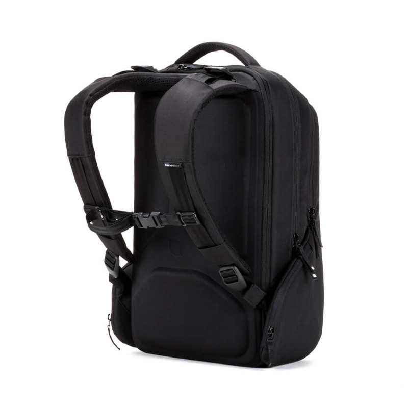 [工商免運] Incase ICON Triple Black Backpack INBP100345-BLK