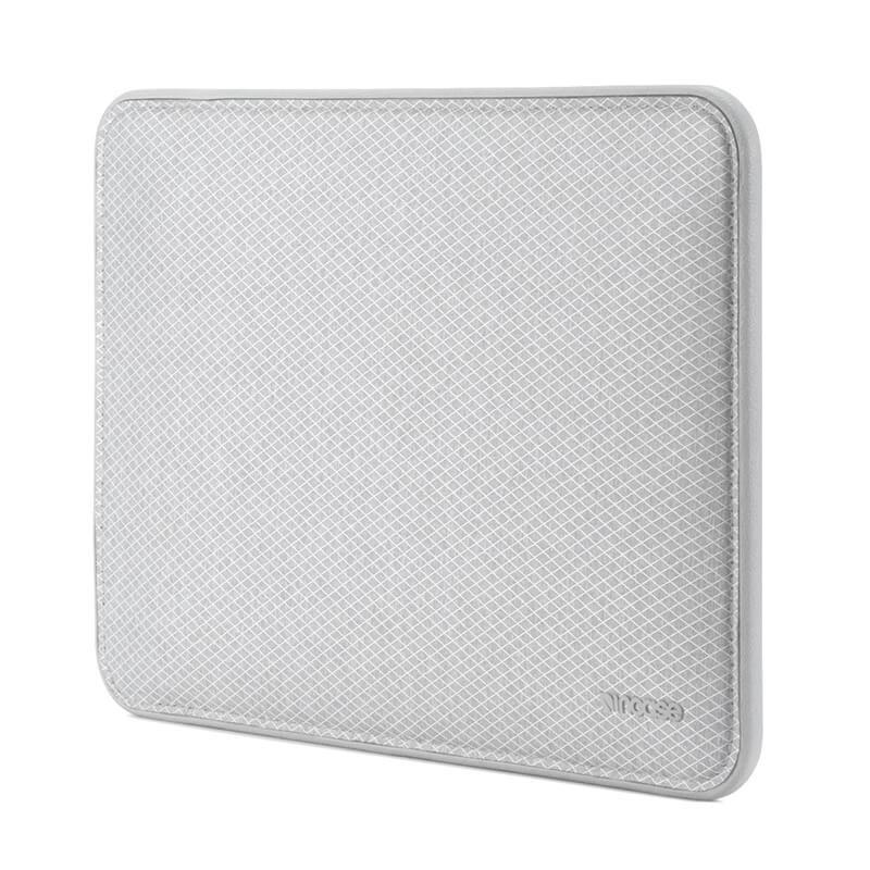 "Incase ICON Sleeve with Diamond Ripstop for MacBook Pro 15""-Thunderbolt(USB-C)"