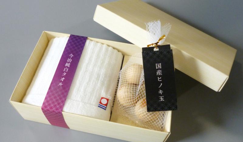 今治毛巾+日本扁柏木球禮盒