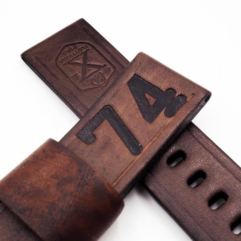 24mm Panerai 經典棕色「74」紋牛皮錶帶配針扣