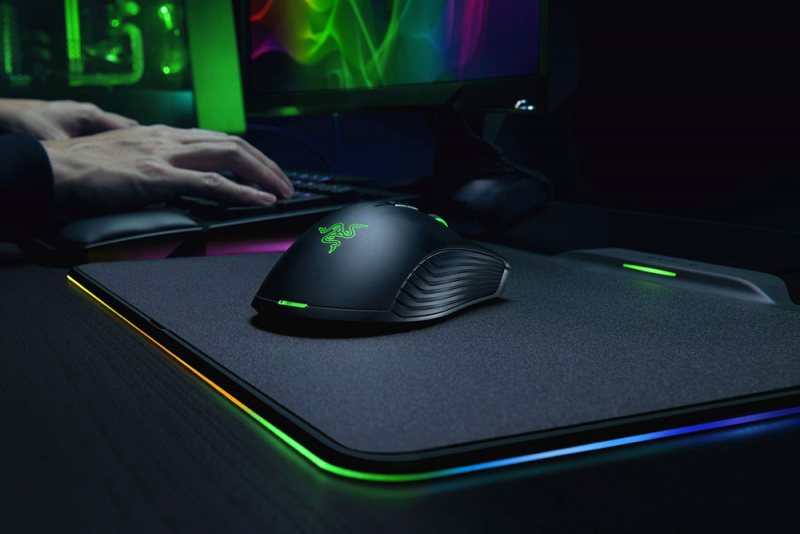 Razer Mamba + Firefly HyperFlux (Wireless Chargeable Mouse + Mouse Pad)