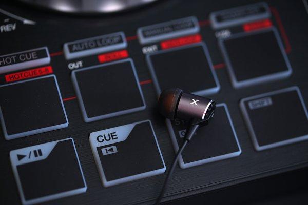 XROUND AERO 高解析耳機(原廠行貨)