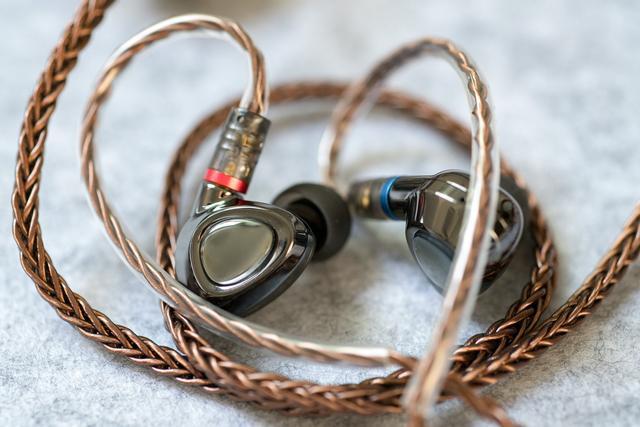 【香港行貨】Shanling 山靈 入耳式圈鐵HiFi耳機 ME500