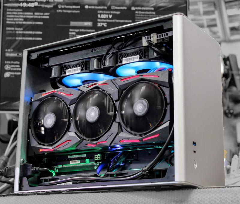 💡【Whatsapp:21173773網上落單】 Intel Core I9-9900KS處理器 ASUS ROG STRIX Z390-I 主板 G.SKILL Trident Z Royal 16GB記憶體 Samsung 970 EVO Plus 500G NVMe SSD ASUS ROG Strix RTX2070 SUPER顯卡 JONSBO A4機箱/Corsai
