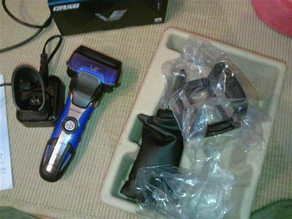 🇯🇵日本獨家版本🇯🇵 Maxell x Izumi V系列電動剃鬚刨 V737A Turbo Mode 3刀頭.全機防水.世界電壓.一個月驚人電量