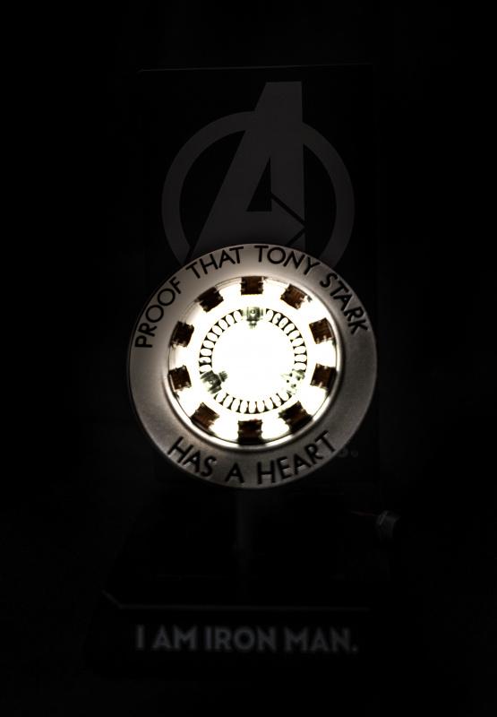 IronMan 反應爐 小夜燈無線充電座