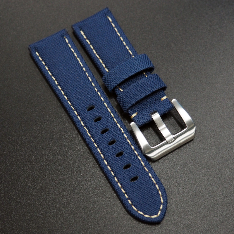 24/26mm Panerai 藍色尼龍錶帶配白車線