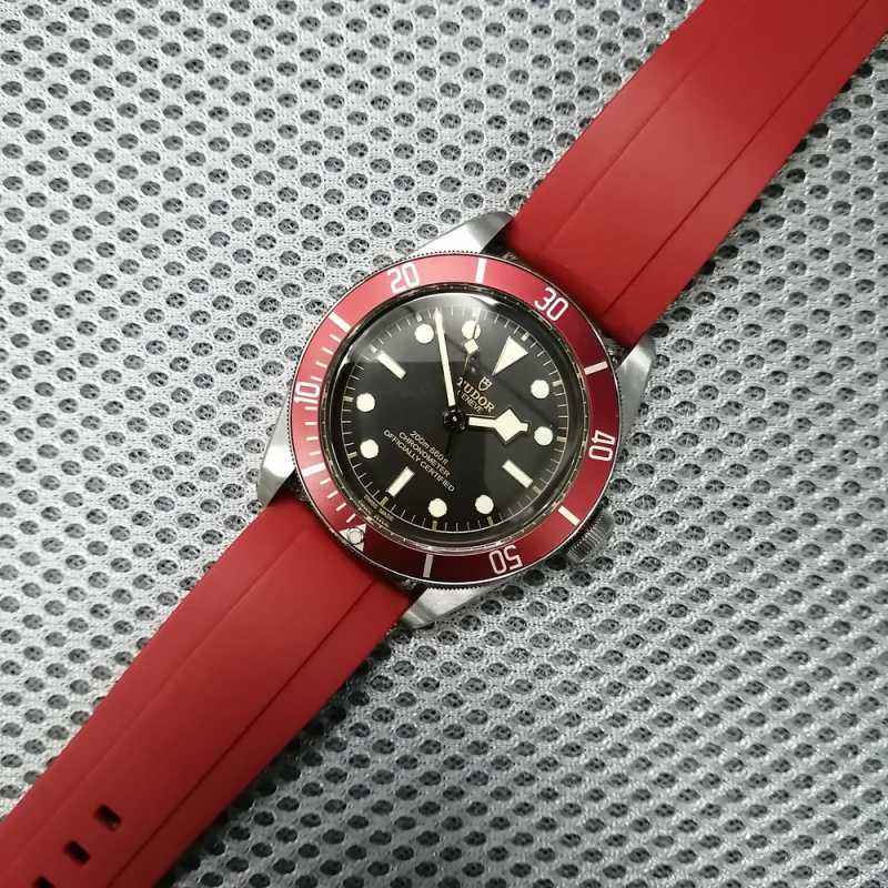 20mm, 22mm, 24mm 紅色橡膠快拆錶帶