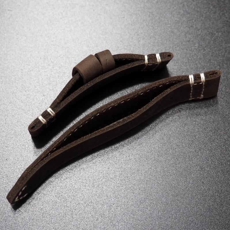 20/22mm 經典朱古力棕色流線型牛皮錶帶