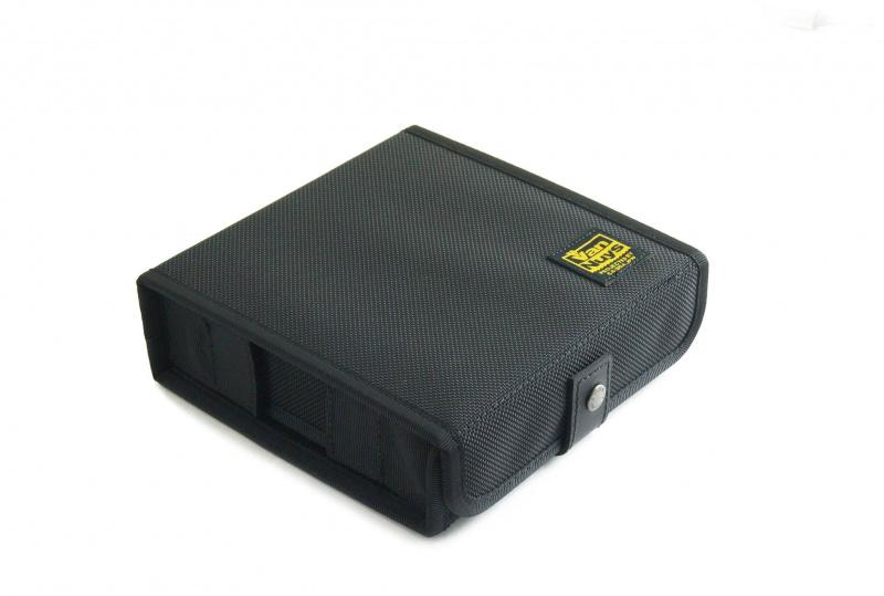 VanNuys 第二代四格耳機盒 VC821