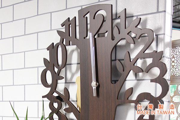 精巧樹形掛牆鐘 (啡) 台灣製造