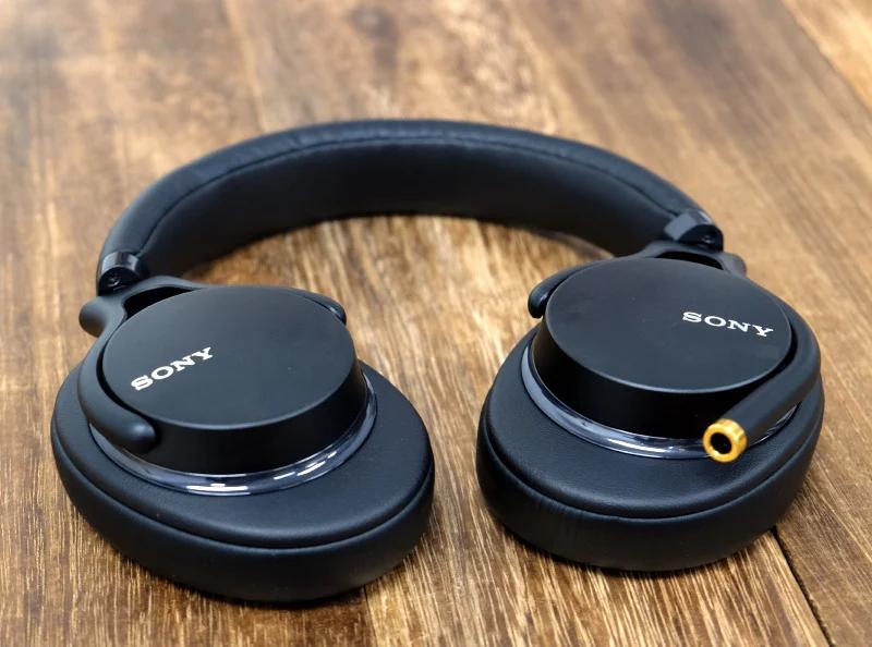 SONY MDR-1AM2 高音質輕巧耳罩式耳機