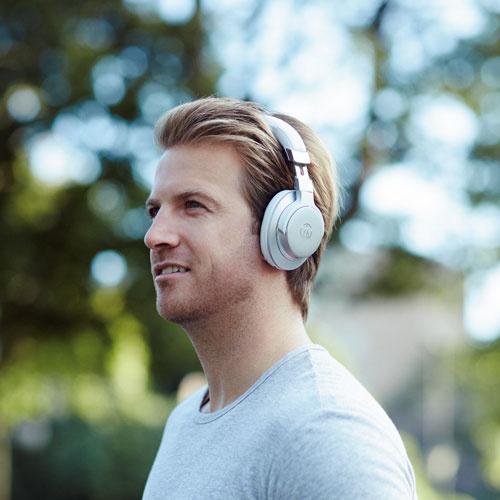 Audio-Technica ATH-AR5BT 無線耳罩式耳筒