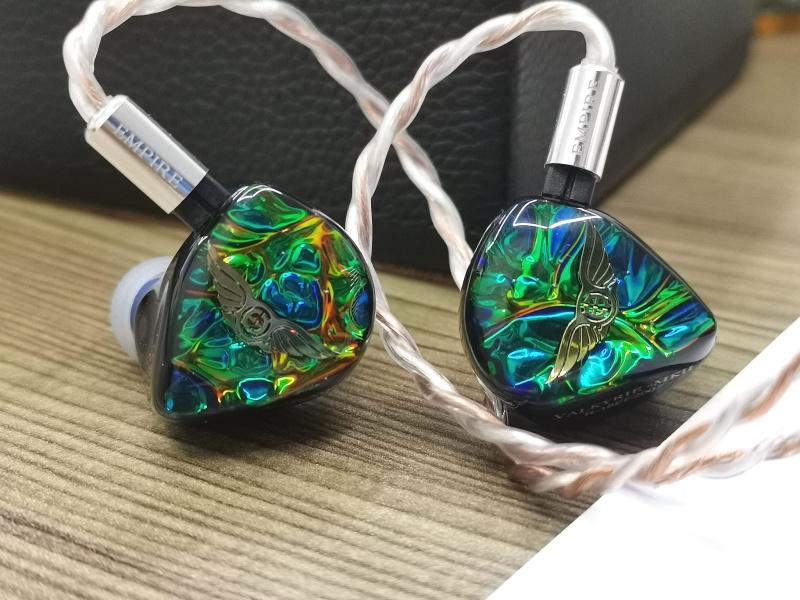 Empire Ears Valkyrie MKII 三混合單元耳機