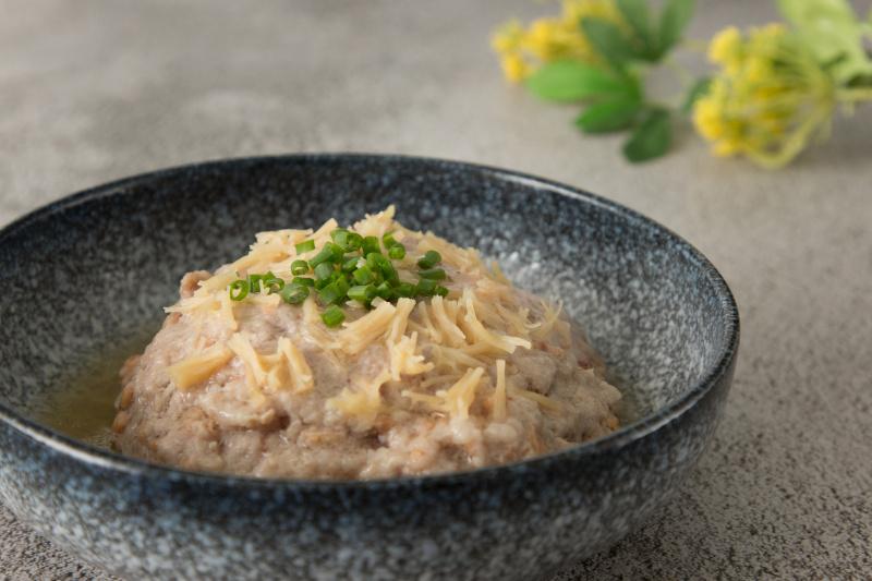 土魷瑤柱蒸黑毛豬肉餅