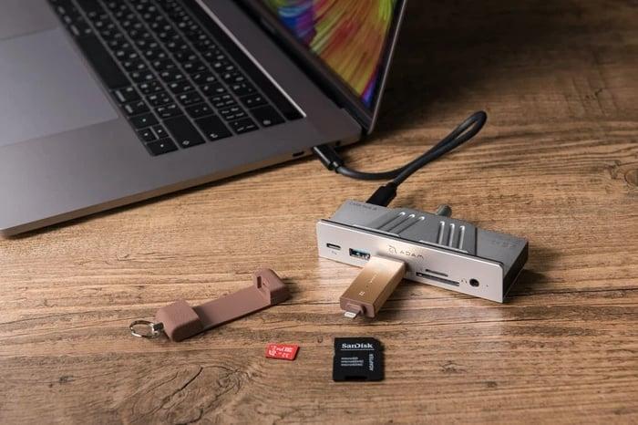 Adam Elements CASA Hub i8 USB-C 8合1 iMac 專用多功能集線器