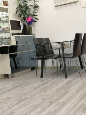 自粘橡木塑木膠地板淺灰色1772PVC地板6吋X36吋 厚度2MM (1.5平方尺)/件