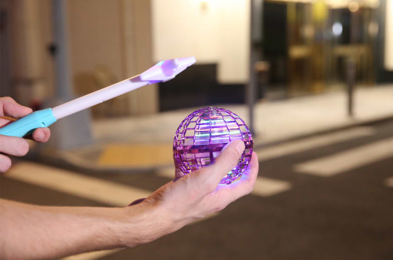 Flynova PRO 神奇 反重力飛行魔法球 💫