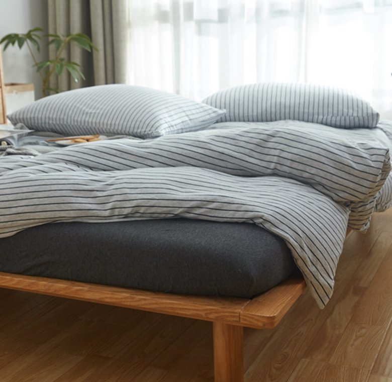 日系橫紋床品套裝(床單+被套+枕頭袋X2)[灰白色黑條]
