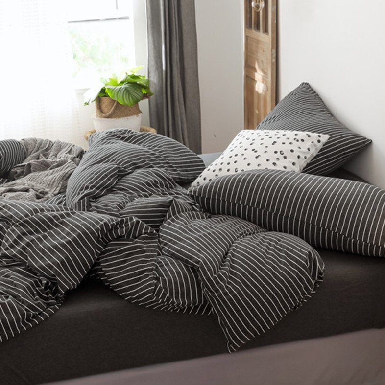 日系純棉橫紋床品套裝(床單+被套+枕頭袋X2)黑色
