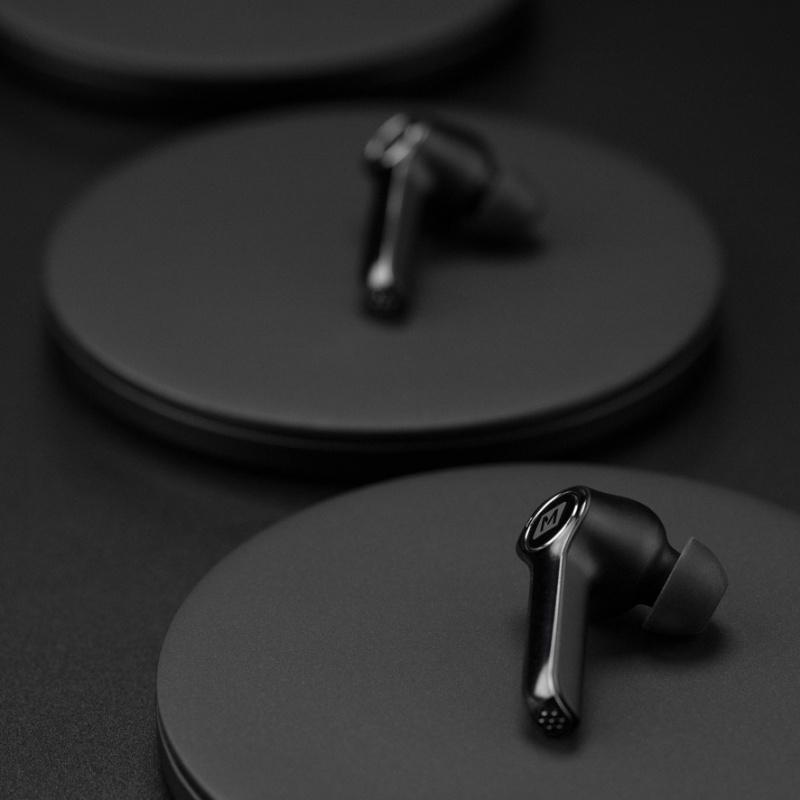 Momax SPARK真無線藍牙耳機及充電盒(2色)