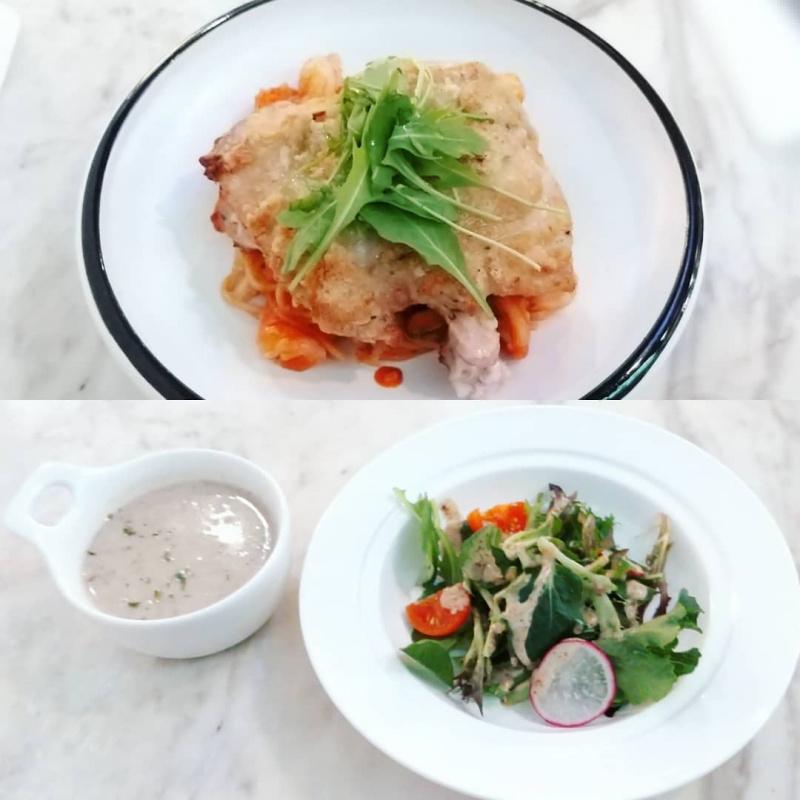 光復胡椒雞扒配茄汁蝦球意粉