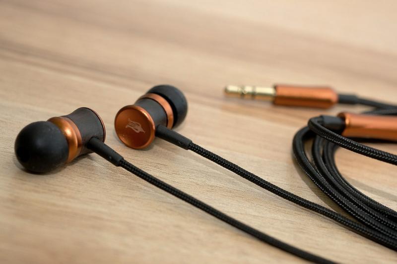 Meze Audio12 Classics V2 X Fender AE1i 全新黑魂特別版