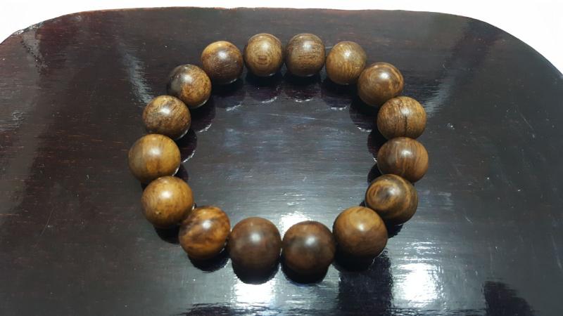 加里曼丹 沉香手串佛珠 珠身: 直徑 14mm 16mm 22mm 特價發售