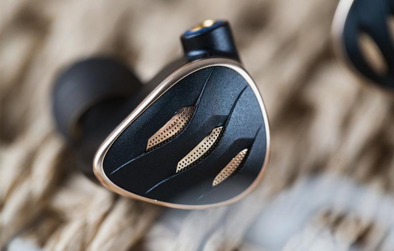 FiiO FH5S ~ 龍鱗 の 圈鐵 可調音耳機