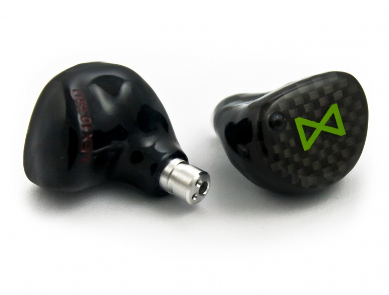 Lime Ears Model X 4動鐵單元, Bass Switch可改變低頻級別的開關