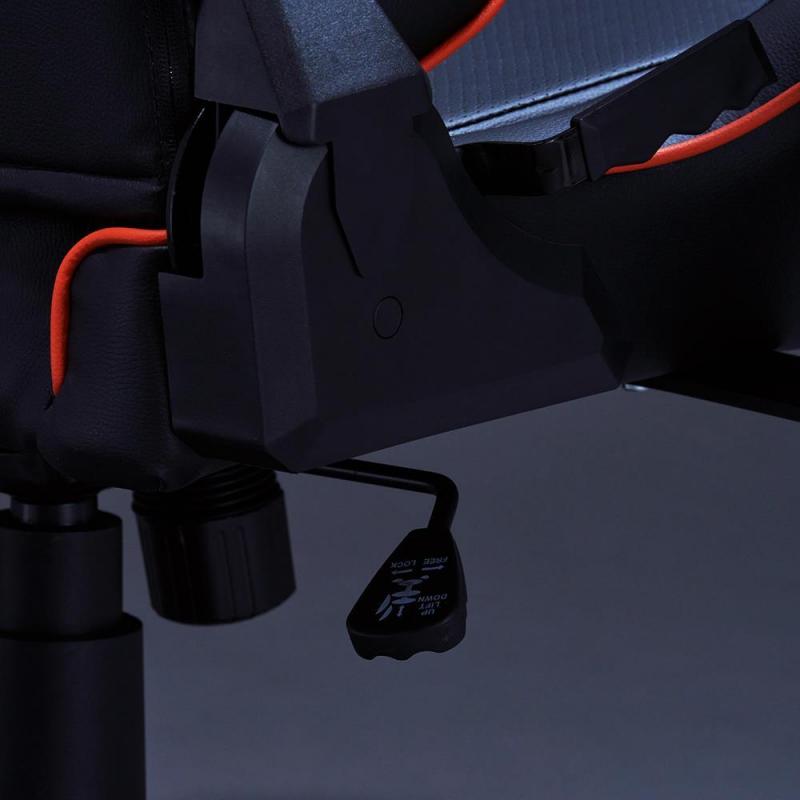 GIGABYTE AROUS AGC310 信仰專業電競椅