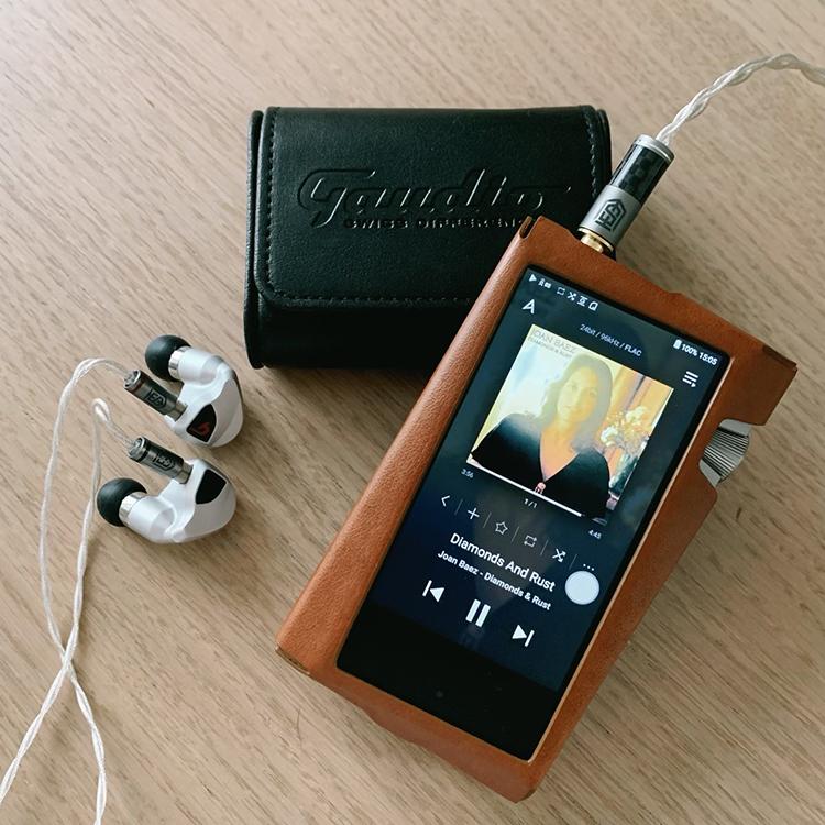 Gaudio Clariden 多動鐵入耳式耳機