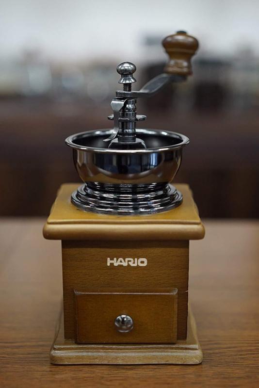 HARIO 天然木手搖磨豆機 MCS-1