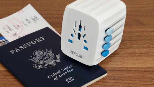 美國Zendure Passport 自動修復保險絲萬用旅行轉插頭