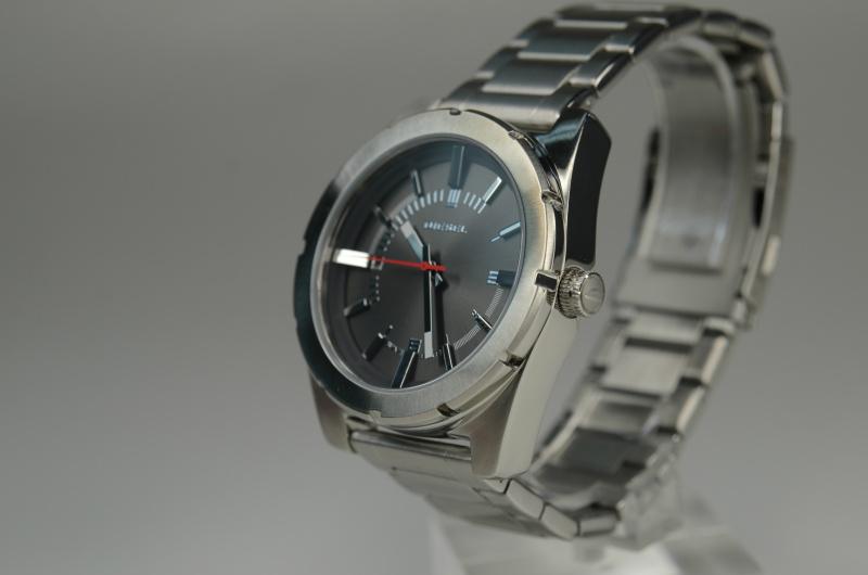 Diesel DZ1595 鋼帶石英錶