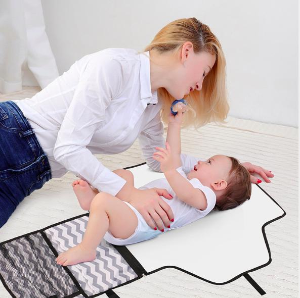便擄式嬰兒戶外換尿片墊